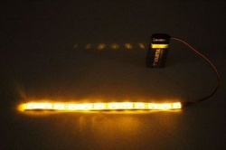 Flexibele LEDSTRIP op batterij - Geel 20 cm. met 9 Volt aansluiting - LEDSTRIP op batterijvoeding - ledstr20ge