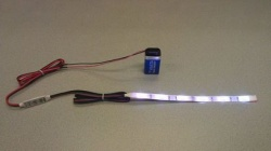 Flexibele LEDSTRIP op batterij - RGB 20 cm. met 9 Volt aansluiting - LEDSTRIP op batterijvoeding - ledstr20rgb