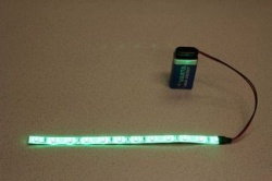 Flexibele LEDSTRIP op batterij - Groen 100 cm. met 9 Volt aansluiting - LEDSTRIP op batterijvoeding - LEDSTR100GR